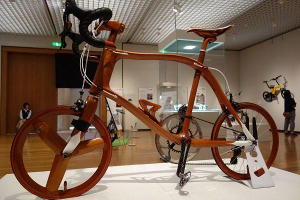 マホガニー製自転車