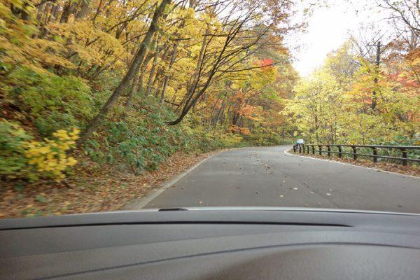 桧原湖湖畔道路