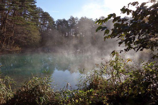 五色沼の朝靄
